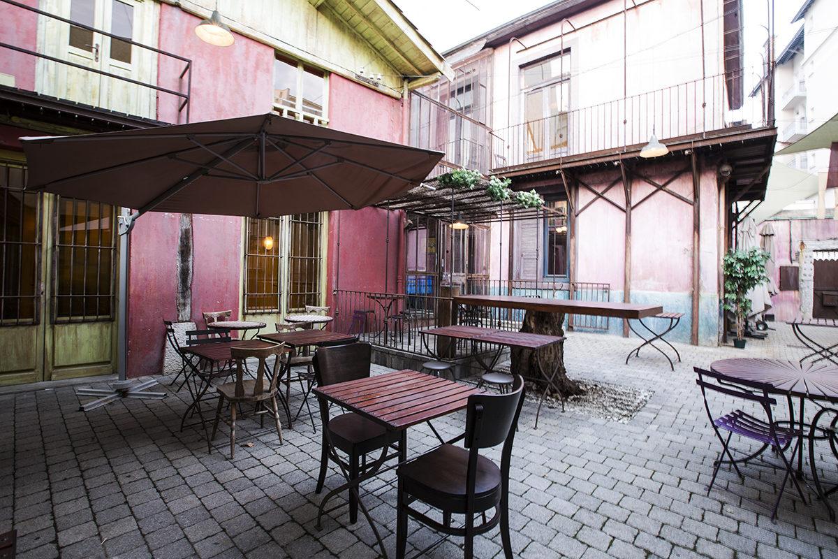 Le Diskret - Cour Intérieure terrasse
