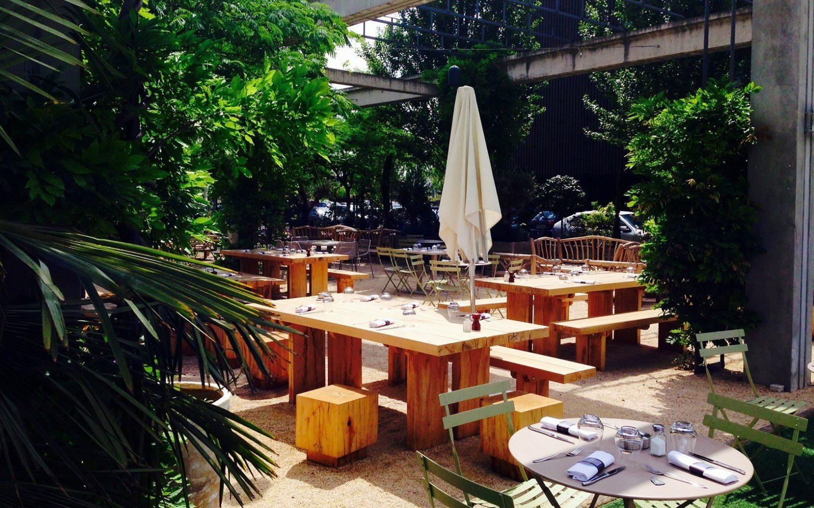 Le selcius bar club avec terrasse lyon heure bleue lyon - Table de terrasse restaurant ...